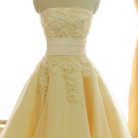 Homecoming Dress,Chiffon Yellow Lace Flowers Sweetheart Short Prom Dress