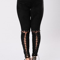 Eyes Sittin Low Leggings - Black