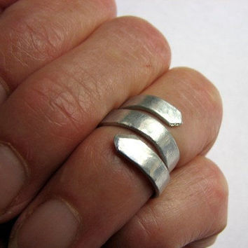 Hammered Aluminum Spiral Mid Finger Ring, Adjustable