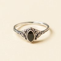 VICTORIAN STYLE BLACK STONE RING