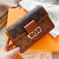 LV Louis Vuitton hot sale coffee brown color matching printed letters ladies cosmetic bag chain diagonal bag shoulder bag
