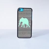 The  Aztec Green Elephant Pattern Plastic Case Cover for Apple iPhone 5C 6 Plus 6 5S 5 4 4s