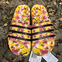 Onewel Adidas Original Adilette Color  Series Paint  Column  Nakou  Rice Technology Synthesis Waterproof and Slipproof  So Soft  Suitable Yellow print