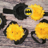 Baby Batman Headband and Baby Barefoot Sandals / Batman Headband Set / Birthday Headband Set / Batman Baby Girl / Black and Yellow / Bows