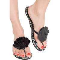 Into The Deep [Black] | FLAT SANDAL