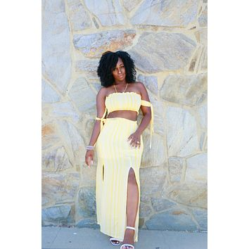 Hello Yellow 2 Pc Set