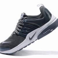 NIKE new lightweight casual shoes sports shoes Dark gray white