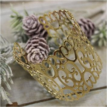 APOLONIA lace filigree cuff bracelet - gold