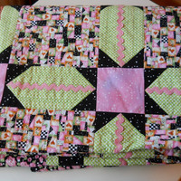 Bed Linen . Single Bed Patchwork Quilt /Cosy Couch Throw/Child's Snuggly Blanket,