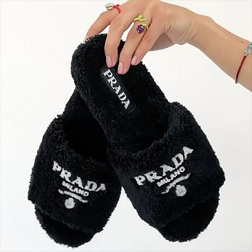 Prada 2021 plush embroidery letter logo ladies casual boots sandals beach slippers Shoes 1