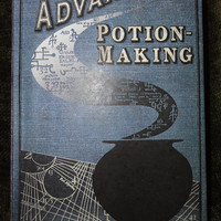 Advanced Potion Making Book // Harry Potter Potions by wiirenet