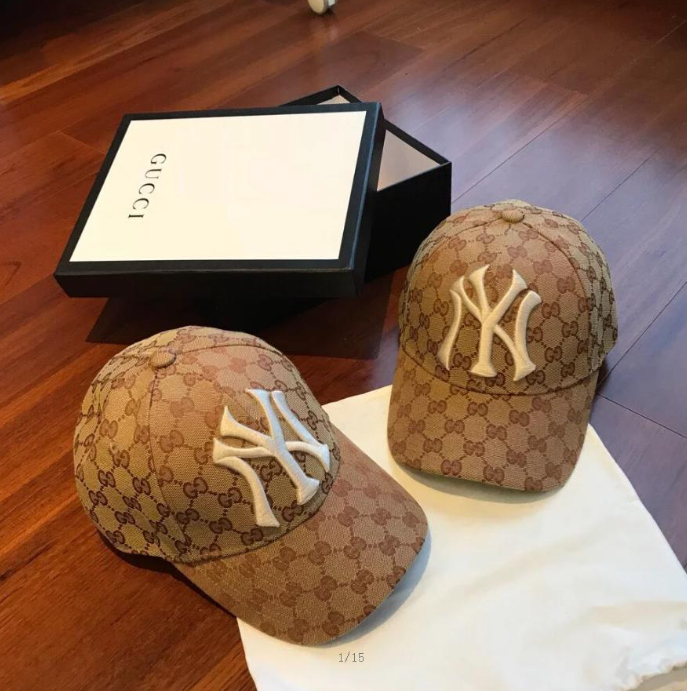 Image of GUCCI Baseball hat with NY Yankees™ patch