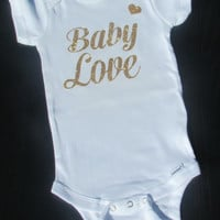 Baby Clothes, Newborn Girl Clothes, Baby Shower Gift, Hospital Newborn Outfit, Baby Love Bodysuit, Birth Announcement, Bodysuit, Cute Onesuit