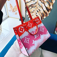 Louis Vuitton Trendy Large-Capacity Handbag Tote Bag Large Letter Printing Fashion Ladies One Shoulder Messenger Bag
