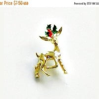 ON SALE Vintage Gerrys Christmas Pin, Holiday Pin, Reindeer Pin, Vintage Holiday Brooch, Gold Red & Green Pin.