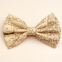 Map Hair Bow • Airplane Bow • Tan Canvas Bow • Geekery Hair Bow • Women's Fashion • Gifts For Women • Science Hair Bow • Cartography Bow
