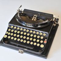 1930s Remington Portable Model 3 Typewriter with Case and Key