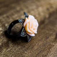Peach rose ring, pink rose ring, large rose ring, statement ring, bronze flower ring, large flower ring, rose jewelry, peach jewelry