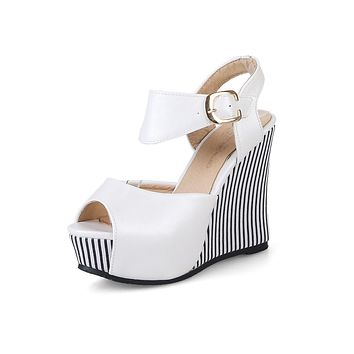 Women's Fish Mouth Buckle Platform Wedges Sandals