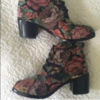 Tapestry Boots Floral Rose Canvas Booties Heels 6
