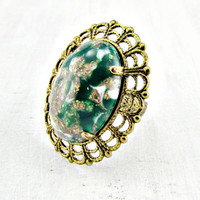Vintage Emerald Green Cocktail Ring, Green Gold Glass Cabochon Ring, Brass Filigree Ring, Adjustable Statement Ring, 1960s Vintage Jewelry