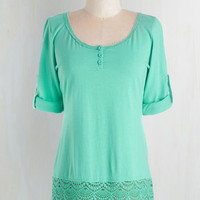 Mid-length Short Sleeves Cheer I Go Top in Mint