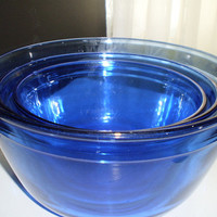 Vintage Set of 3 Anchor Hocking Blue Glass Nesting Mixing Bowls