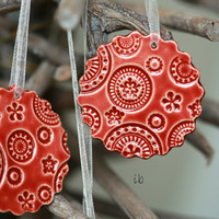 Red Ceramic Christmas Ornaments Lace Ceramic  Scallop Winter Home Decoration Gift Set of 3