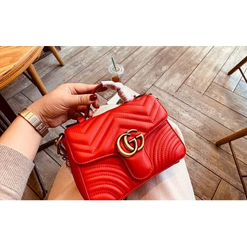 Vsgirlss Gucci sells ladies'double G fashion quilted V-type leather mini-handbag shopping bag Red