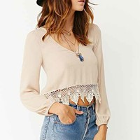 Ecote Lace Trim Boho V-Neck