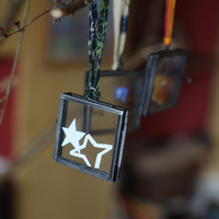 Zinc Recycled Metal & Glass Picture Frame Ornament