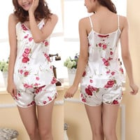 Ladies Comfortable Sleepwear Pajamas Set Sleeveless Blouse+Shorts Underwear