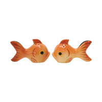 2-Pc Kissy Face Salt & Pepper Shakers