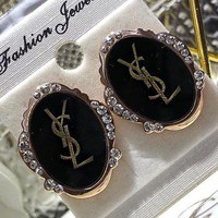 YSL sells the classic letters with classic matching earrings and fashionable retro female ear rings