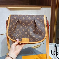LV Louis Vuitton Classic Presbyopia Shoulder Bag Messenger Bag