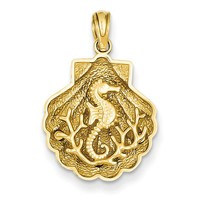 14k Seahorse in a Shell Pendant D4396