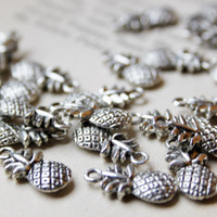 pineapple charms (25).