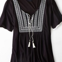 AEO Women's Embroidered Peasant Top