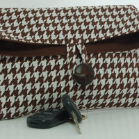 Clutch Purse Brown White Houndstooth by PeetSwea on Etsy