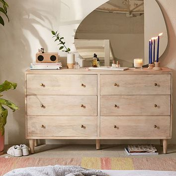 Amelia 6-Drawer Dresser | Urban Outfitters