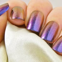 False Nails - Short Press On Fake Nails - Holographic Multichrome Glue On Nails - Colour Shifting - Color Changing - Stick On Nail Set