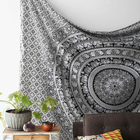 Trendyystuff Popular Handicrafts Black & White Tapestries Hippie Mandala Intricate Floral Design Indian Bedspread Tapestry 84x90 Inches,(215cmsx230cms)
