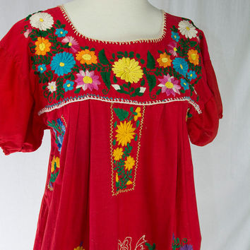 Vintage Mexican Embroidered Peasant Dress M Red