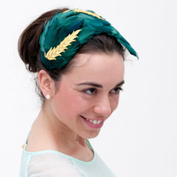Vementry -Green Headband made with feathers and detail of golden leaves