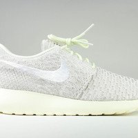 Nike Women's Roshe Run One Flyknit Sail White