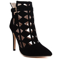 Boots With Pointed Toe and Cut Out Design