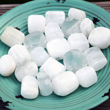 SELENITE Attune to Moon Lunar Cycles Stone - Peaceful Calming Energy Clears Away Negativity