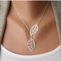 Fashion Silver Leaves Necklace Clav.. on Luulla