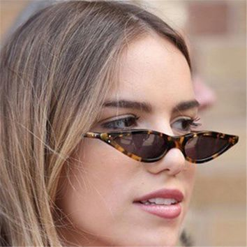Women Cat Eye Sunglasses 90s Small Vintage Ladies Cateye Sun Glasses Female Retro Black Red Triangle Eyeglasses Trendy UV400