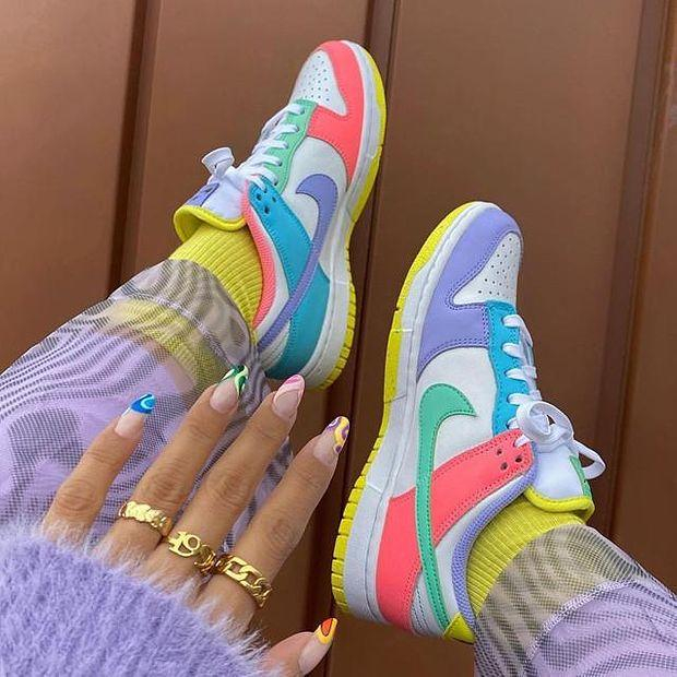 Image of Nike SB Dunk Low Light Soft Pink Sneakers Shoes